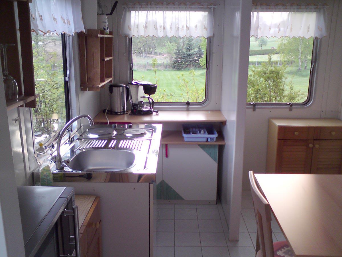 Küche mit Sitzecke - Campingplatz Fein & Klein am Carwitzer See